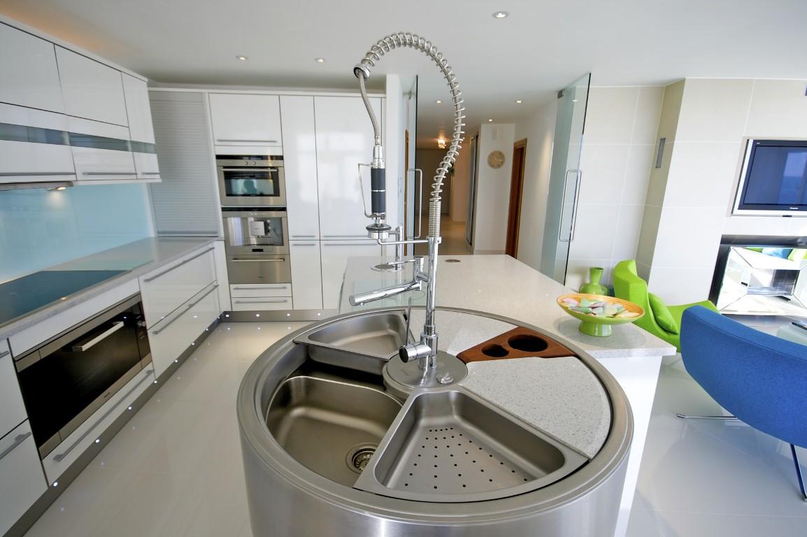 Sandbanks 008.jpg-Kitchen 2